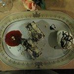 Een overheerlijk dessert met luchtige chocolade cake.
