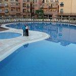 piscina enebrales