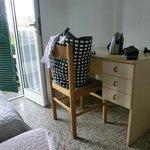 tavolo con unica sedia