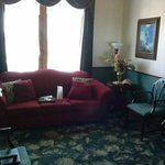 the sitting room of the best gals room