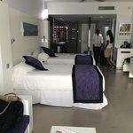 Double beds, Open floor plan room - standup shower, jacuzzi tub