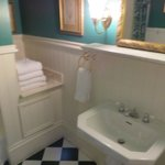 Pearl bathroom