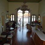 La hall con il balconcino veneziano