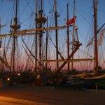 停泊中の帆船