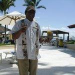 Jorge bringing our cocktails