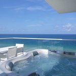 jacuzzi on the balcony overlooking ocean... there's nothing better