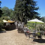 Gardens and outdoor eating options
