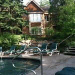 Rooms in Fiddlers Cover facing small pool