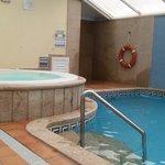 piscina y jaccuzzi