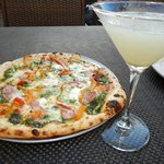 Exceptional pizza and refreshing tini's