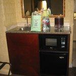 Mini fridge, microwave, sink in-room