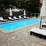 Le Bon Port pool