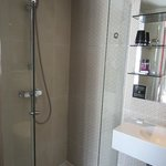 Bathroom--shower is FULLY ENCLOSED!