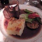 carne de bisão ao molho de cramberry