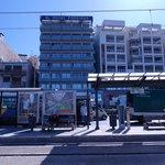 Отель и остановка транспорта