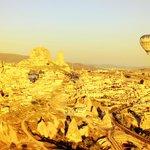 Balloon over Uchisar