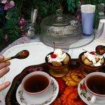 Desert and tea (wonderful)