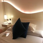 Zimmer neu in gelbem Licht