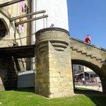 Le pont levis du château