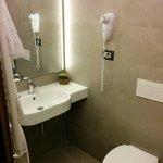 Salle de bain 1 - Chambre 83