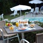 petit déjeuné en terrasse