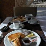 Завтрак )