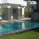 Una de las piscinas de la zona Red Level