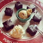 Dessert warm brownies