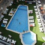 vistas de piscina desde solarium