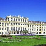 Wien Schönbrunn Schlosspark Südansicht 20140607 © Michael Berger