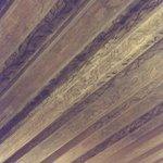 старинный деревянный потолок