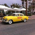 Un bar branché sur la promenade façon Cubaine