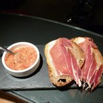 Pan con tomate y jamon