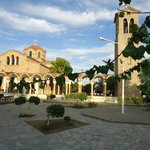 Площадь перед церковью в п. Фалираки