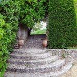 Escalier dans les jardins du château