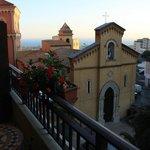 La chiesa di San Calogero nell'omonima piazzetta visibile dal nostro balcone