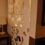 Hotel Europa Life - Sliding door to bathroom