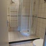 Le Lizieux washroom