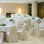 MEETING ROOM WEDDING
