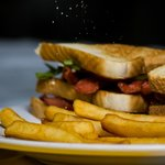 Sandwich de salchichas.