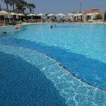 piscine et relax/parasols