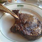 Signature Bone-In Rib Eye (24oz)