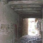 Passage sous les maisons