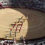 La entrada al ruedo de los toreros