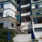 veduta albergo dalla spiaggia