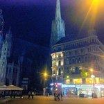 Catedral San Esteban en la noche