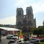 La piazza di Notre Dame