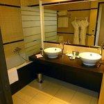 main batroom