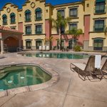 Photo de Holiday Inn Express Hotel & Suites Tucson Mall