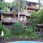 Apartamentos de frente a piscina aquecida